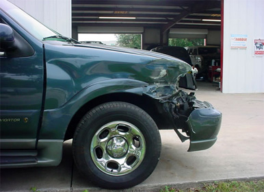 auto body repair service, damaged suv